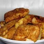 Скумбрия жареная на сковороде в луковом соусе